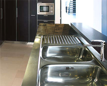 Stainless steel benchtops